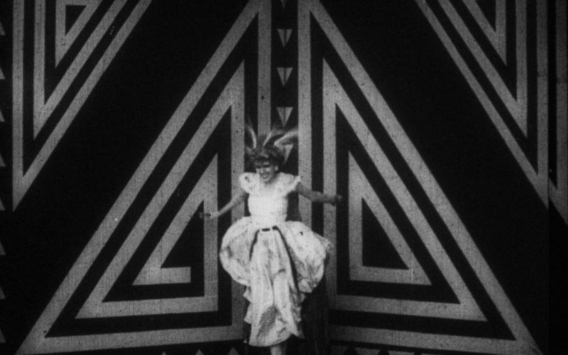 fotograma-de-la-pelicula-de-anton-giulio-bragaglia-i-thais-o-perfido-canto-i-1917-fondazione-cinetaca-italiana-mila